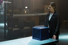 Move over Doctor, Clara's got her own blue box now Doctor Who Season 9, Doctor Who Series 9, Doctor Who Episodes, New Doctor Who, First Doctor, Sci Fi Tv Series, Bbc America, Bbc One, Jenna Coleman