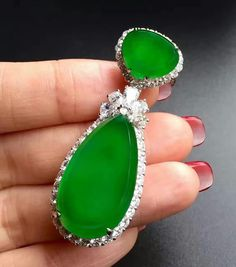Jadeite Pendant #gem #jewelry #diamonds