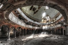 Abandoned Theatre - http://www.dailymail.co.uk/news/article-2316987/Photographer-Niki-Feijens-eerie-images-abandoned-farm-houses.html
