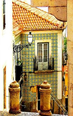 Alfama, Lisbon, Portugal....I remember this...the tile....