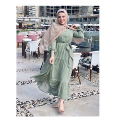 Hijab Fashion Summer, Modest Fashion Hijab, Modern Hijab Fashion, Batik Fashion, Hijab Fashion Inspiration, Muslim Fashion, Casual Hijab Outfit, Fashion Outfits, Mode Turban