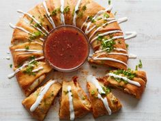 Enchilada Crescent Ring Recipe from Food Network for tailgating Mexican Dishes, Mexican Food Recipes, Mexican Meals, Yummy Recipes, Ethnic Recipes, Tortillas, Tapas, Food Network Recipes, Cooking Recipes