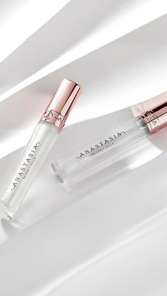 Did someone say GLOSS? ✨ The Anastasia Beverly Hills Crystal Gloss is the perfect product to achieve shiny, juicy lips! Use this gloss to complete any glowy, radiant makeup look ☀️✨ Natural Lip Colors, Natural Lips, Crystal Lips, Lip Primer, Loose Pigments, Clear Lip Gloss, Concealer Brush, Dry Lips, Eyebrow Pencil