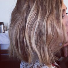 """Here's More Proof That the Wavy Bob Is 2015's """"It"""" Cut"""
