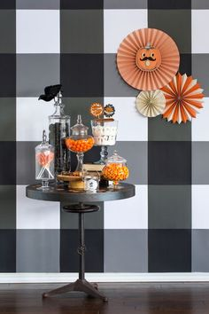 How to style a vintage DIY spooky Halloween candy bar