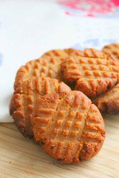 Keto Cookies, Keto Peanut Butter Cookies, Low Carb Peanut Butter, Peanut Butter Recipes, Healthy Cookies, Cookies Et Biscuits, Super Cookies, Cookie Butter, Keto Biscuits