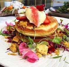 Throwing it back to these beauties from @legacycamberwell  Hokey pokey hotcakes - with honeycomb, orange, ricotta, vanilla bean mascarpone, pomegranates & strawberries  Legacy - Camberwell #melbourne #breakfast #breakfastinmelbourne #legacycamberwell @legacycamberwell