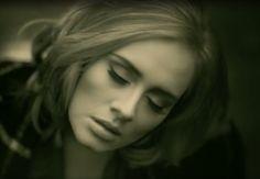 """""""Hello"""", le nouveau single de la chanteuse Adele bat tous les records. Il y a plusieurs raisons psychologiques à cela. Les voici."""