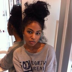 Loveeeee her bun.....I swear its one of the ways to my heart lol