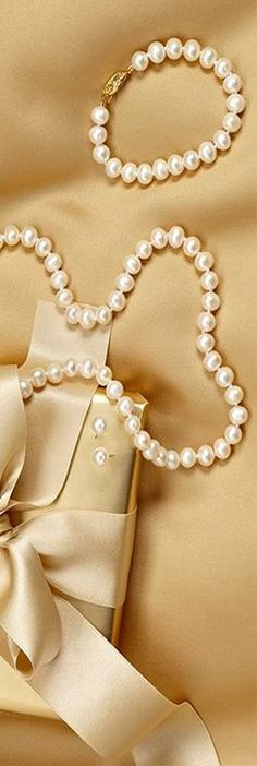 Classic pearls.  The Pearl Gift added by @Violetta Peters via @Lani Going. #pearls #jewelry
