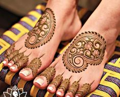 Explore the list of best and trending mehndi designs for every occasion. Latest mehndi designs for your wedding or any other events Dulhan Mehndi Designs, Mehandi Designs, Henna Hand Designs, Legs Mehndi Design, Modern Mehndi Designs, Wedding Mehndi Designs, Mehndi Design Pictures, Mehndi Designs For Hands, Henna Tattoo Designs