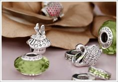 Today's post brings my monthly Pandora news round-up, featuring all the details on what's coming up for September 2015! Included this month are details on upcoming promos for the UK and North America, some details on a new LE breast cancer awareness charm, and an update on the Pandora Fascinating Olive and Blush crystals! :) Coming … Read more...