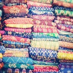 Joielala Photographie :: Textiles from Bali
