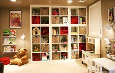 STANOWISKO DO PISANIA, ROZWIĄZYWANIA KRZYŻÓWEK Kids Playroom Ideas -  kids playroom shelves