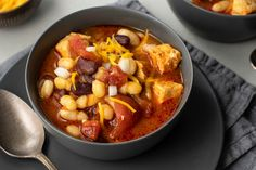 Slow Cooker Chicken Chili Healthy Low Calorie Dinner, Low Calorie Dinners, Healthy Eating, Healthy Dinners, Slimming World Ready Meals, Slimming World Recipes Syn Free, Slow Cooker Chili, Slow Cooker Chicken, Slow Cooker Recipes