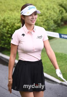 Asian Woman, Asian Girl, Asian Ladies, Kathy West, Cute Golf Outfit, Great Women, Ladies Golf, Bellisima, Athlete
