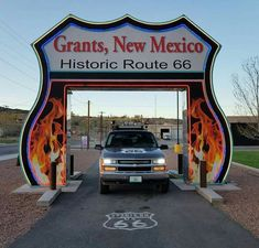 Places To Stay On Your Mexico Vacation Route 66 Sign, Old Route 66, Route 66 Road Trip, Historic Route 66, Travel Route, Road Trip Usa, Drive In, Travel New Mexico, Mexico Vacation