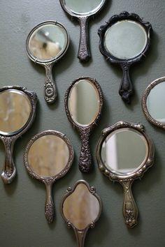 Vintage hand mirrors.  Myviewfromsomewhere:  (via Tammy Lovrich / Pinterest).
