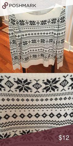 LOFT cream and black winter print sweater LOFT cream and black winter print sweater LOFT Sweaters Crew & Scoop Necks