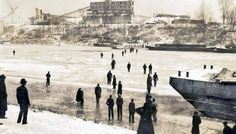 January 26, 1946  The Cumberland River is frozen over in Nashville, TN