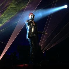@whosravennow「Who wants to live forever.  @adamlambert  #AdamLambert  #Edmonton #Queen #QueenandAdamlambert…」