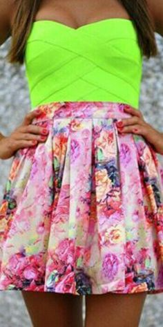 neon tube top with printed high waist skirt Teen Fashion, Fashion Beauty, Womens Fashion, Fashion Trends, Fashion Ideas, Gypsy Fashion, Fashion 101, Daily Fashion, Looks Style