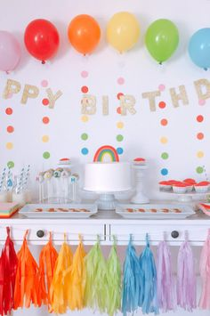 COLORS OF THE RAINBOW / バースデー 海外パーティーレポート / PARTY | ARCH DAYS Rainbow First Birthday, 1st Birthday Party For Girls, Rainbow Unicorn Party, Birthday Party Themes, Simple Birthday Decorations, Rainbow Party Decorations, Rainbow Parties, Halloween Decorations, Ideas Decoracion Cumpleaños