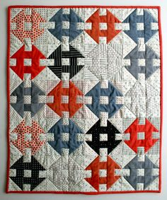 ~ free tutorial ~ Mini Quilt of the Month: Masking Tape Quilt / Churn Dash at The Purl Bee These colors make a woven look. Quilting Tutorials, Quilting Projects, Quilting Designs, Sewing Projects, Quilting Classes, Quilting Tips, Sewing Crafts, Diy Projects, Purl Bee