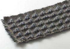 Coussin d'air / 2, Gamme de textiles 3D aux propriétés amortissantes, respirantes et massantes. Matières Ouvertes est un studio de design textile français spécialisée dans les textiles 3D. Mé…