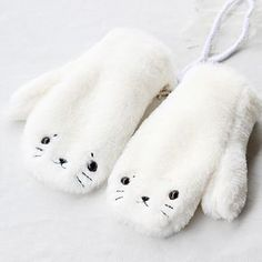 Girls Clothing Boutique Gloves on Girly Girl の To Alice.Girly Cute Little Seal Plush Gloves Kawaii Animal Mittens the best choice for you to go out or work !