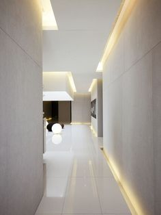 Lightbox / Hsuyuan Kuo Architect & Associates lighting at edge of floor and ceiling: