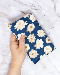 Diy Sewing Projects, Sewing Projects For Beginners, Sewing Hacks, Sewing Tutorials, Sewing Crafts, Diy Bags Purses, Diy Purse, Purse Wallet, Sew Wallet