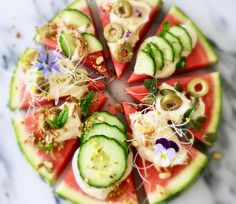 We've been drinkin watermelon. Or we will be after making this delicious watermelon pizza. Very easy and above all healthy!