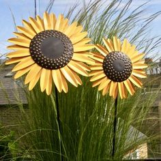 Recycled Metal Sunflower Stems by London Garden Trading, the perfect gift for Explore more unique gifts in our curated marketplace. Small Sunflower, Sunflower Garden, Artificial Hydrangeas, London Garden, Perfect Mother's Day Gift, Flower Beds, Simply Beautiful, Color Pop, Colour