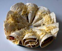 Imprezowa przekąska z tortilli - Blog z apetytem Calzone, Stuffed Mushrooms, Lion Sculpture, Cooking Recipes, Vegetables, Blog, Impreza, Chilli, Pizza