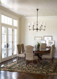 Am going to have to copy these linen slipcovers with the contrast piping and sassy box pleated skirt!!!