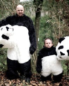 "Karl Pilkington and Warwick Davis from ""An Idiot Abroad"""