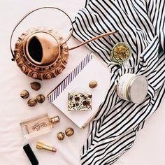 Hello Friday! #friday #goodmorning #morningslikethese #tea #teatime #winter #mood #zima #herbata #dziendobry #vscopoland #flatlay #flatlaypoland #flashesofdelight #thatsdarling #pursuepretty #inspiration #vintage #home #style #homedecor #decoration #breakfast #retrostyle #stripes #livethelittlethings #hygge #slowlife #parischic #bedtime