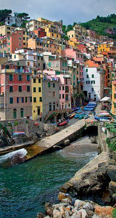 Riomaggiore harbor on the Cinque Terre of the Italian Riviera • photo: Keith Rajala on Flickr
