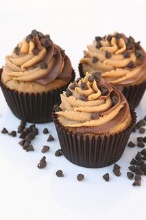 Peanut Butter and Chocolate Cupcakes | Peanut Butter and Cho… | Flickr - Photo Sharing!