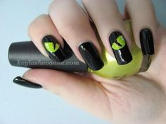 DIY Halloween Nail Art Tutorial - Cat Eyes DIY Nails Art