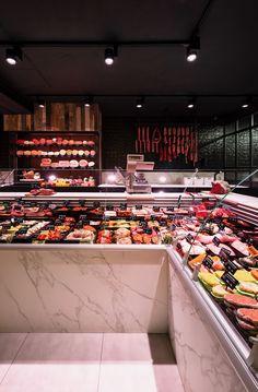 Slagerij Room - Bossuyt Food Shop Carnicerias Ideas, Shop Ideas, Digital Menu Boards, Meat Store, Fish Monger, Charcuterie, Butcher Shop, Cake Shop, Cafe Restaurant