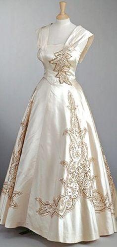 Gown Worn by Queen Elizabeth II  Norman Hartnell