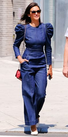 Nina Dobrev hit the NYC streets in a puff-sleeve denim jumpsuit by Ulla Johnson. White pumps, a red bag, and cat-eye sunglasses solidified her winning outfit. Denim Shorts Outfit, Jumpsuit Outfit, Denim Jumpsuit, All Jeans, Jeans Denim, Jeans Rock, Denim Top, Denim Fashion, Look Fashion