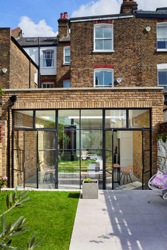 Real home: a bright industrial-style kitchen-diner extension exterior extension Brick Extension, House Extension Design, Glass Extension, Extension Ideas, Rear Extension, Victorian Terrace, Victorian Homes, Crittal Doors, Crittall Windows