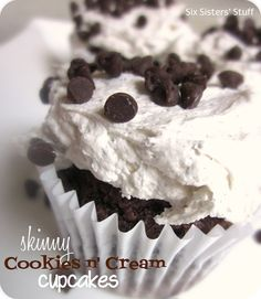Skinny Cookies n' Cream Cupcakes 121 calories!!     Cupcake Ingredients:  1 pkg. Devils Food Cake Mix (just the powder, not the recipe on the box)  1 (12 ounce) can Diet Coke    Frosting Ingredients:   1 (8 ounce) container Fat Free Cool Whip  1 (4.2 ounce) pkg. Oreo Cookies and Cream Jell-o Instant Pudding and Pie Filling
