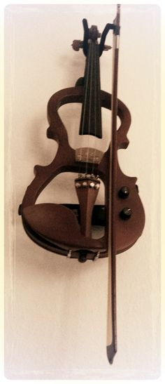 Sometimes you wanted it dirty, distorted, nasty.... :-) Hear my e-violin on an MMOG going online this summer.