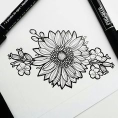 Sarah sunflower half sleeve flower tattoos, tattoos и tattoo Leg Tattoos, Body Art Tattoos, Sleeve Tattoos, Half Sleeve Flower Tattoo, Desenho Tattoo, Sunflower Tattoos, Tattoo Stencils, Piercing Tattoo, Future Tattoos