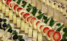 Sýrové roládky na jedno zakousnutí New Recipes, Sushi, Treats, Snacks, Ethnic Recipes, Food, Goodies, Appetizers, Meal