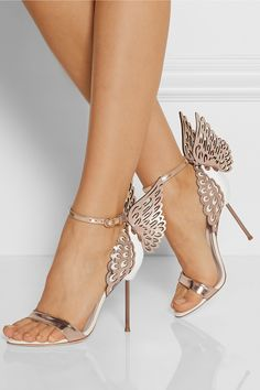 Blog OMG I'm Engaged - Sapatos de Noiva na cor prata. Silver Wedding shoes by Sophia Webster.